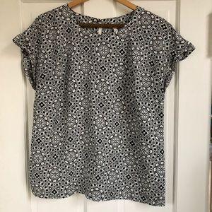 Merona Black/White Patterned Blouse, Size Large